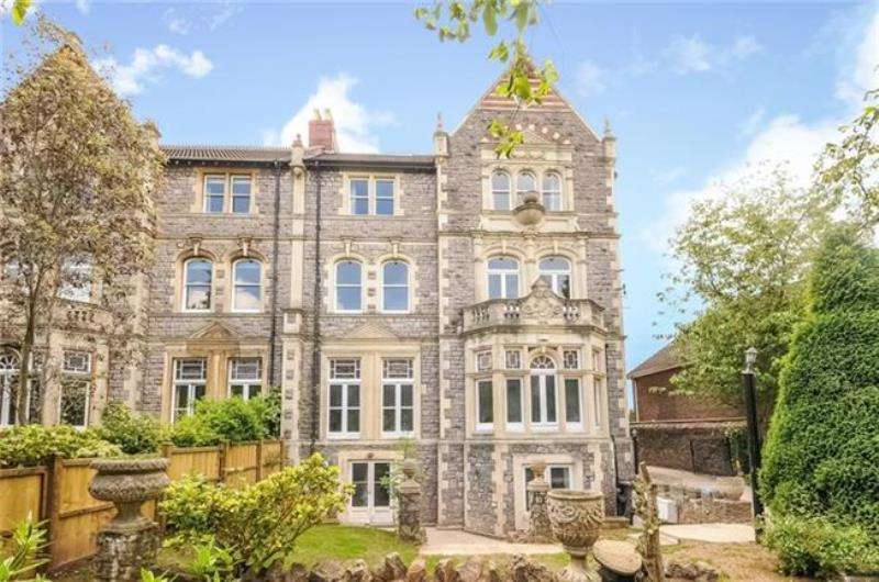 3 Bedrooms Maisonette Flat for rent in Downleaze, Sneyd Park, Bristol, BS9 1LT