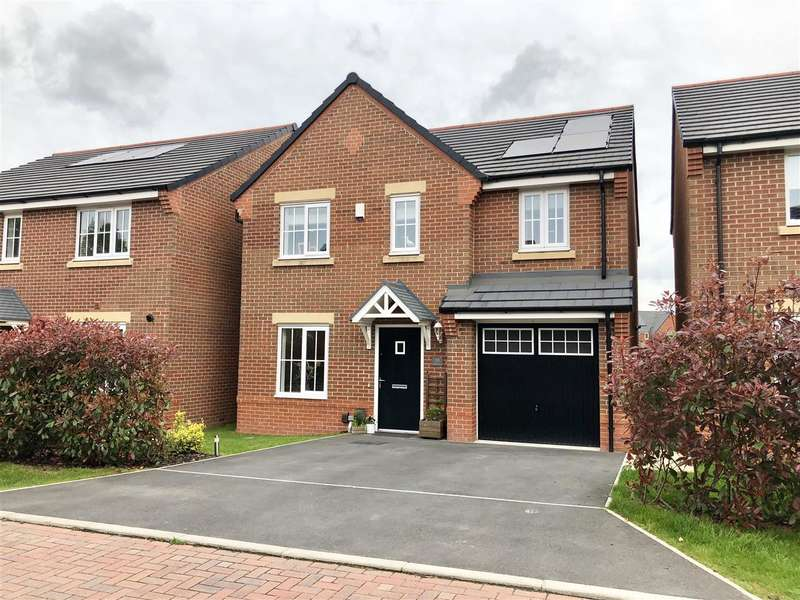 4 Bedrooms Detached House for sale in Darwin Drive, Leyland