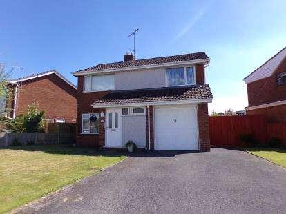 4 Bedrooms Detached House for sale in Ffordd Pentre, Mold, Flintshire, CH7