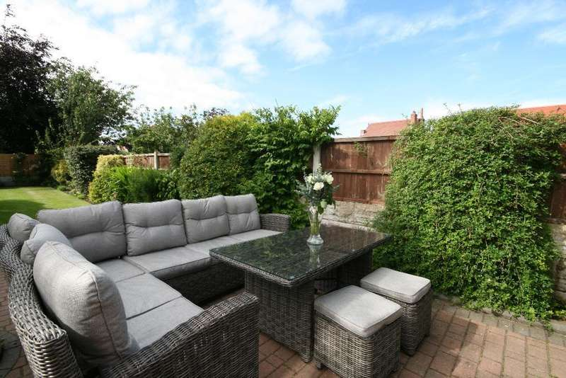 3 Bedrooms Semi Detached House for sale in Churchgate, Churchtown, Southport, PR9 7JF