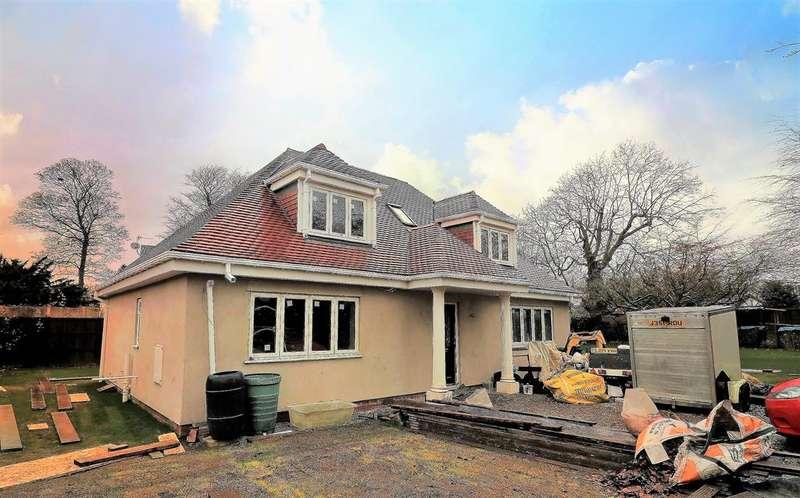 3 Bedrooms Detached House for sale in Earle Drve, Parkgate, Neston, CH64 6RZ