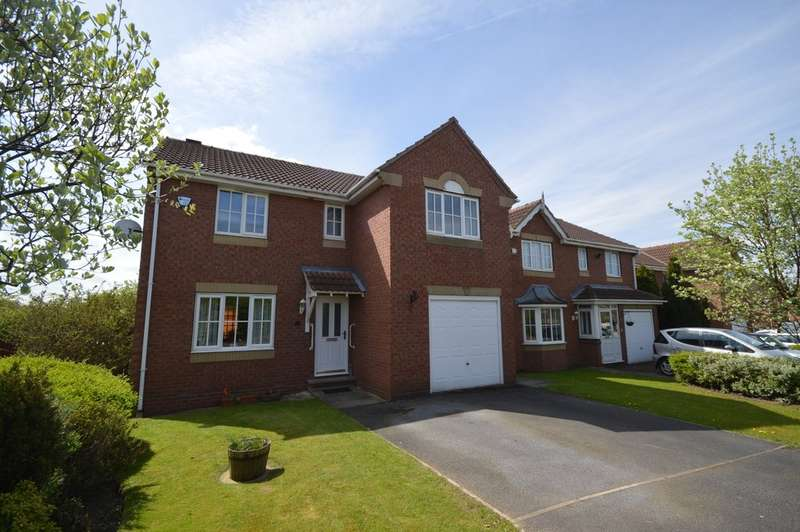 4 Bedrooms Detached House for sale in Newton Gardens, Wakefield