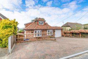 4 Bedrooms Detached House for sale in Walmers Avenue, Higham, Rochester, Kent