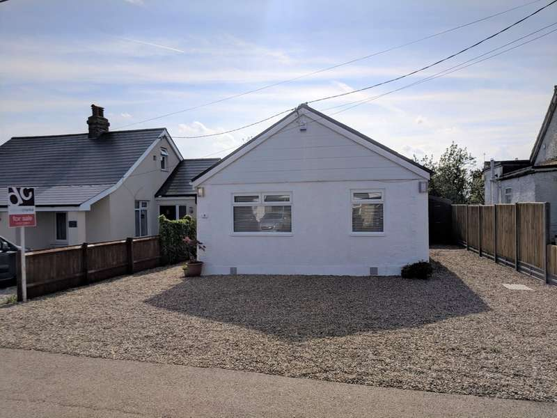 2 Bedrooms Detached Bungalow for sale in Hodgson Road, Seasalter, Whitstable