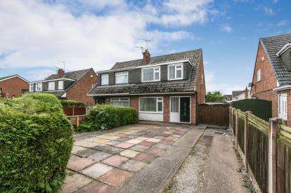 3 Bedrooms Semi Detached House for sale in Wetherby Way, Little Sutton, Ellesmere Port, Cheshire, CH66