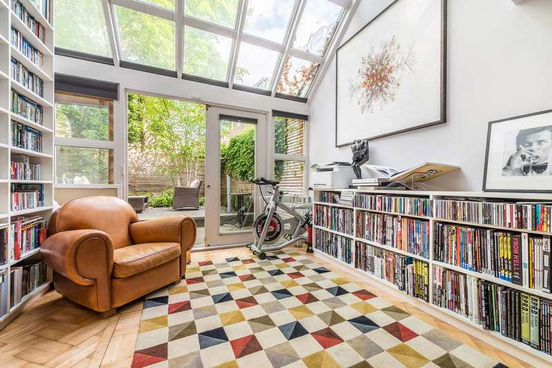 2 Bedrooms Flat for sale in Westbourne Park Road, Notting Hill, W11