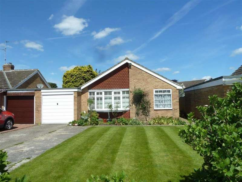 3 Bedrooms Bungalow for sale in Birch Close, Sonning Common, Sonning Common Reading