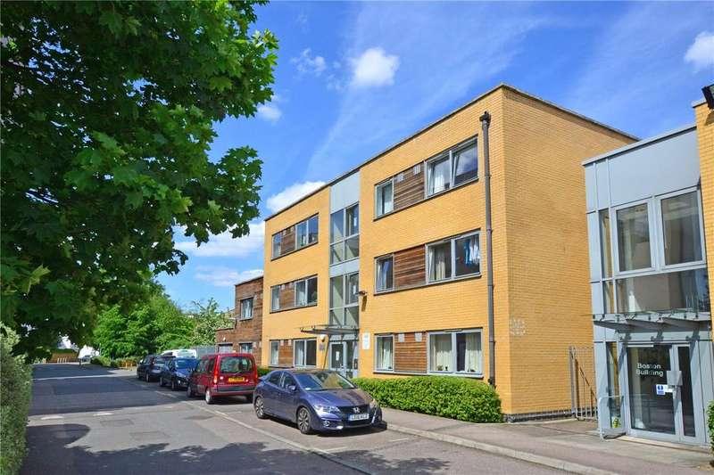 2 Bedrooms Flat for sale in Ohio Building, Deals Gateway, Lewisham, London, SE13
