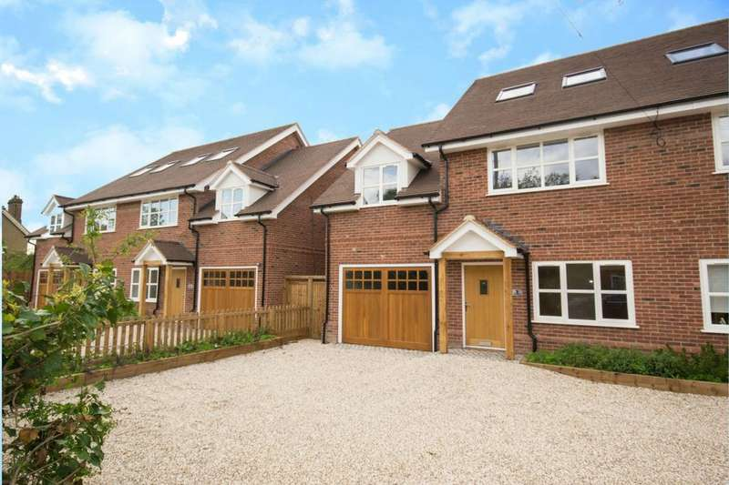 4 Bedrooms Semi Detached House for sale in Flint Mews, Chelmsford Road, Shenfield, CM15