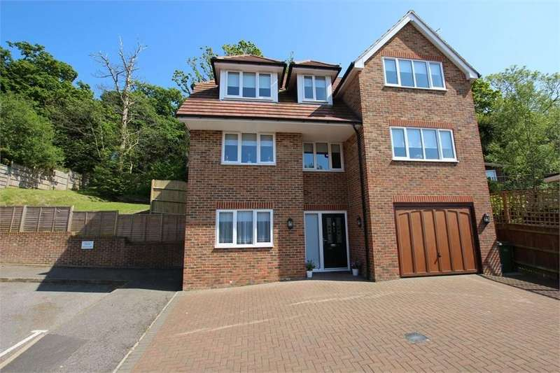 5 Bedrooms Detached House for sale in Eisenhower Drive, ST LEONARDS-ON-SEA, East Sussex