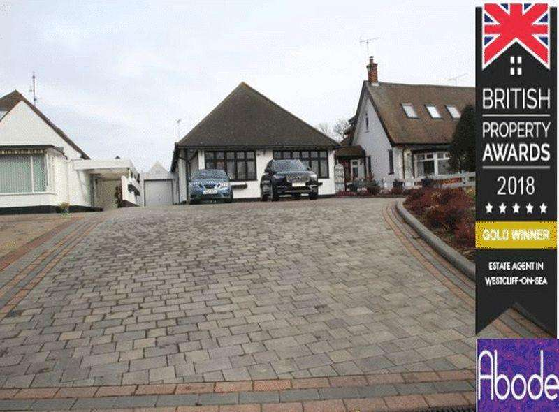 3 Bedrooms Detached Bungalow for sale in Chalkwell Avenue, Westcliff-On-Sea