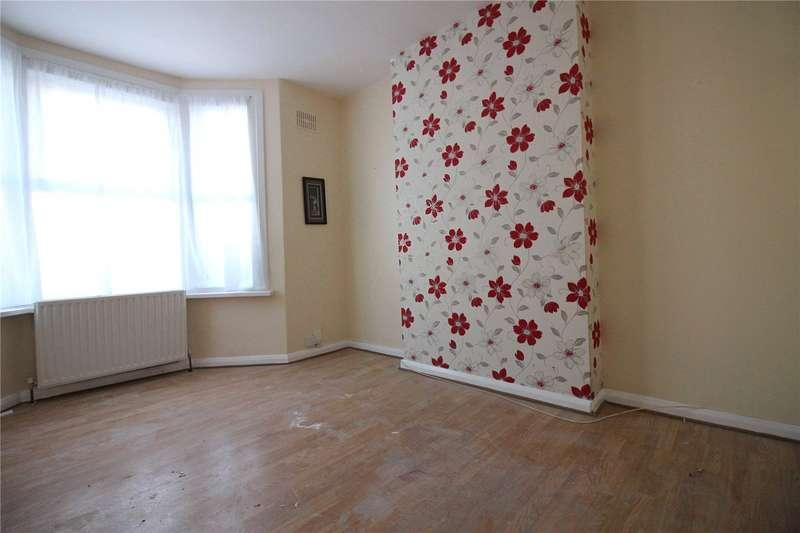 2 Bedrooms Maisonette Flat for rent in Rosebank Road London