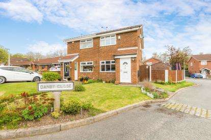 2 Bedrooms Semi Detached House for sale in Betchworth Crescent, Beechwood, Runcorn, Cheshire, WA7