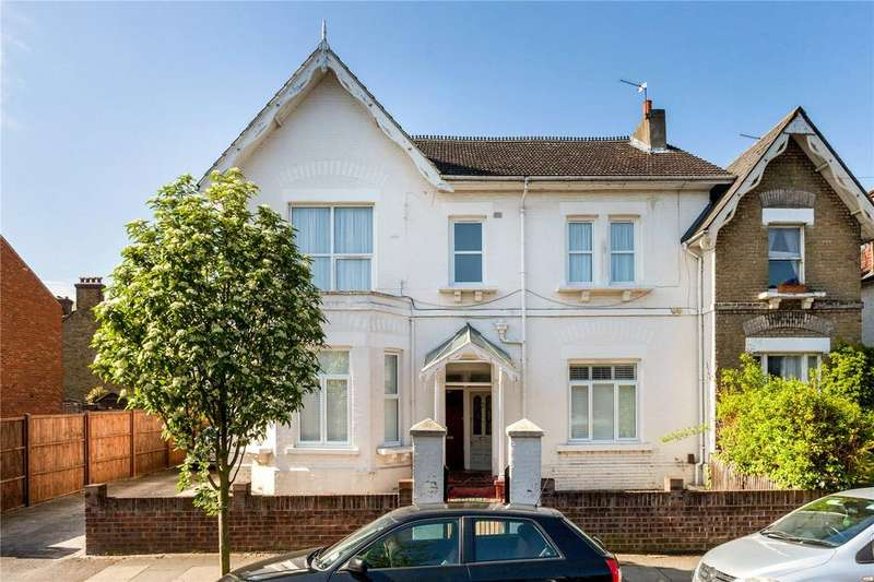 3 Bedrooms Flat for sale in Marlborough Road, Colliers Wood, Wimbledon, London, SW19