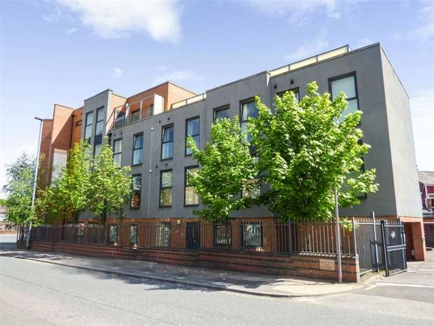 2 Bedrooms Flat for sale in 40 Weaste Road, Salford, Greater Manchester