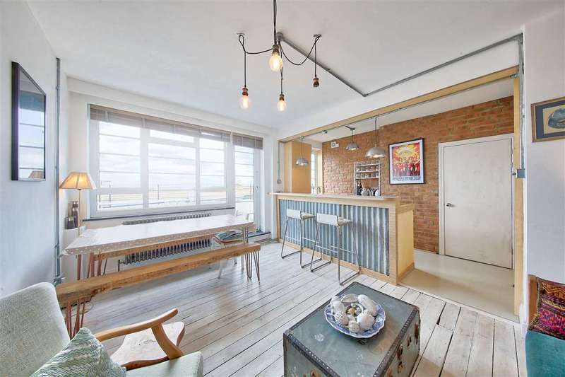 2 Bedrooms Flat for sale in Dumbarton Court, Brixton Hill, Brixton