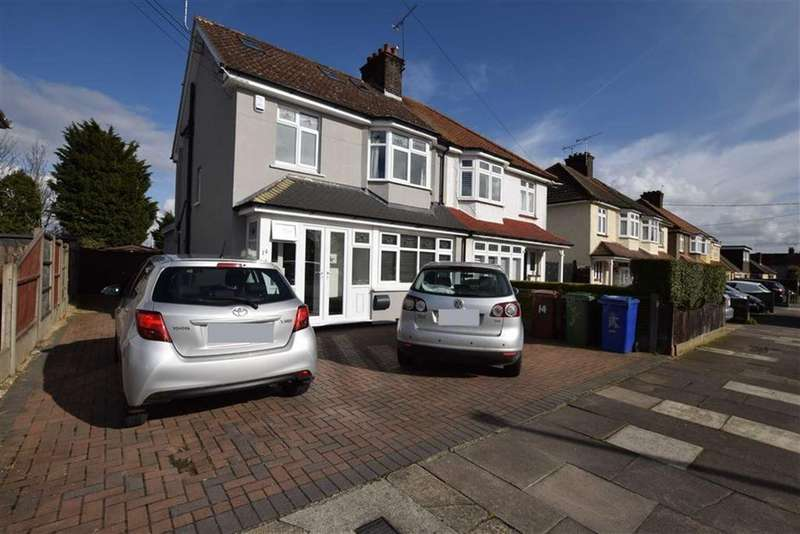 4 Bedrooms Semi Detached House for sale in Barstable Road, Stanford Le Hope, Essex