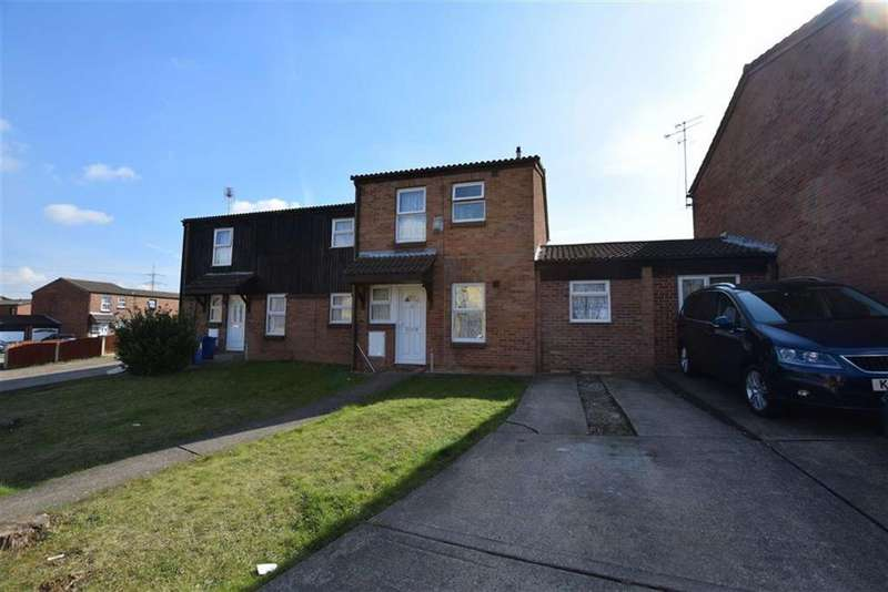 4 Bedrooms Terraced House for sale in Long Court, Purfleet, Essex