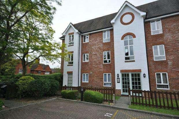 2 Bedrooms Maisonette Flat for sale in Hartigan Place, Woodley, Reading,