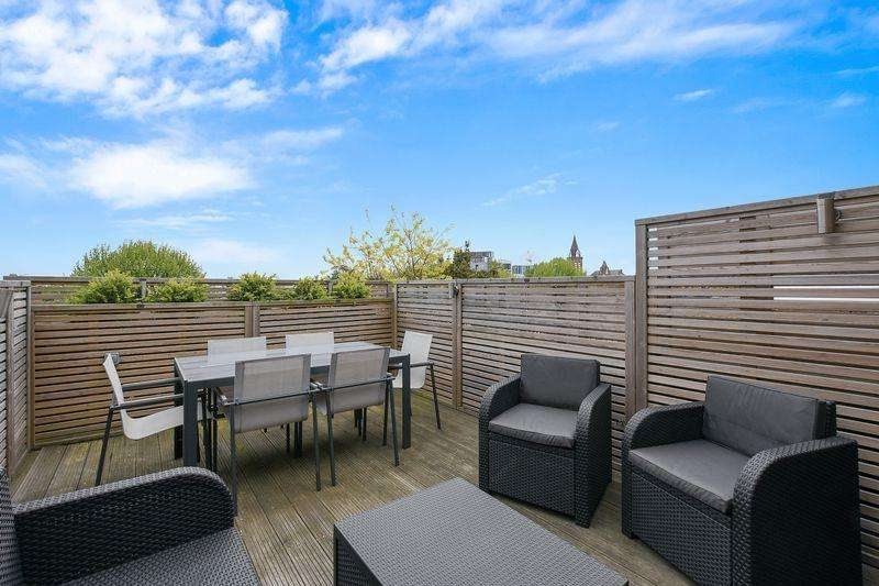 3 Bedrooms Apartment Flat for sale in Gladsmuir Road, London, N19