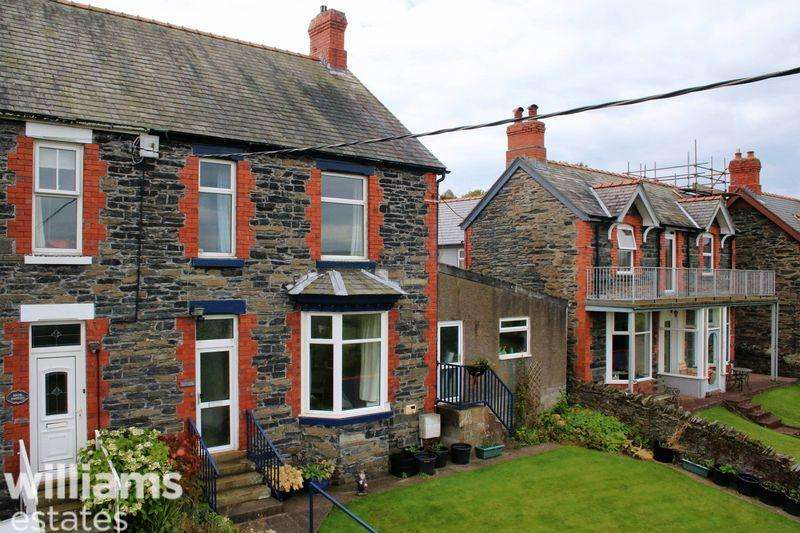 4 Bedrooms Semi Detached House for sale in Penybryn, Corwen
