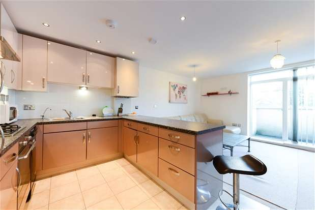 2 Bedrooms Flat for sale in Phoenix Works, Bird In Hand Passage