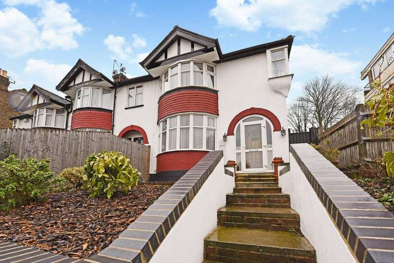 3 Bedrooms Semi Detached House for sale in Knollys Road, Streatham