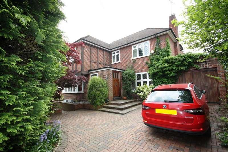 4 Bedrooms Detached House for sale in Wimborne Avenue, Marlings Park
