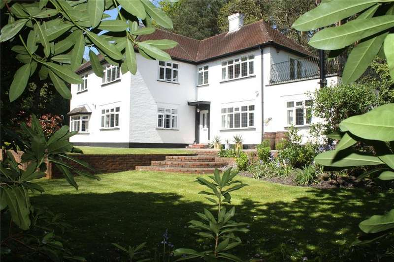 5 Bedrooms Detached House for sale in Bellew Road, Deepcut, Surrey, GU16