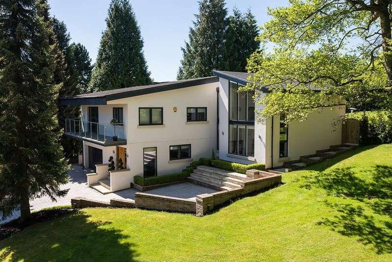 4 Bedrooms Detached House for sale in Packsaddle Park, Prestbury