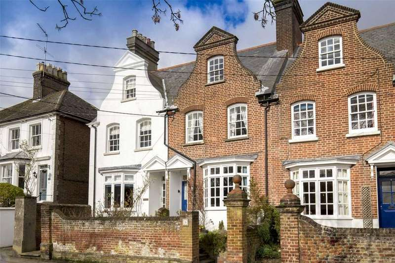 3 Bedrooms Terraced House for sale in Park Road, Tring, Hertfordshire, HP23