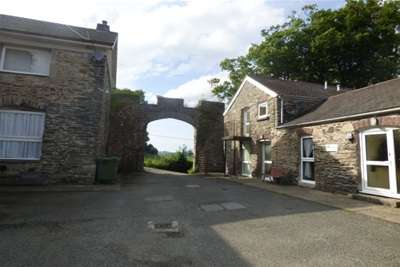 1 Bedroom Flat for rent in Granary Cottages, Betwys yn Rhos