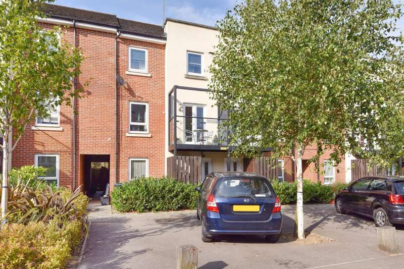 4 Bedrooms House for sale in High Wycombe, Buckinghamsire, HP13