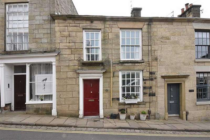 2 Bedrooms Cottage House for sale in High Street, Bollington, Macclesfield