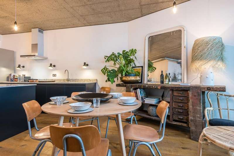 2 Bedrooms Flat for sale in The Fisheries, 1 Mentmore Terrace, London Fields, London