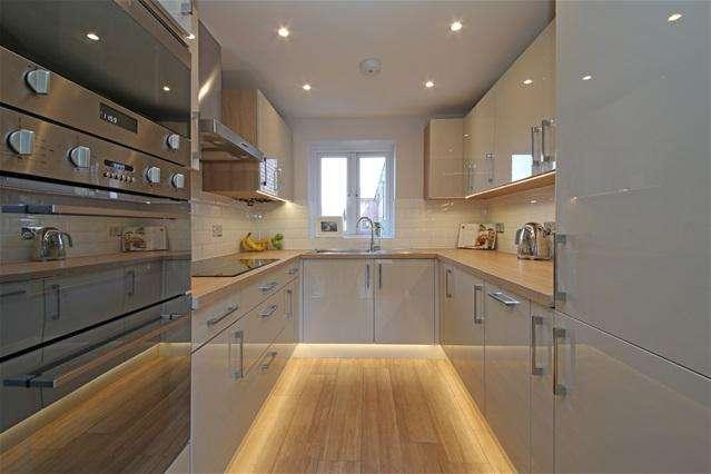 1 Bedroom Flat for sale in Derwent Road, West Wimbledon