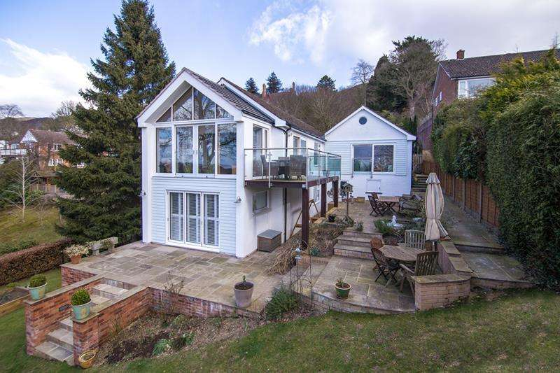 4 Bedrooms Detached House for sale in Valinor, Blackheath Way, Malvern, Worcestershire, WR14 4DR