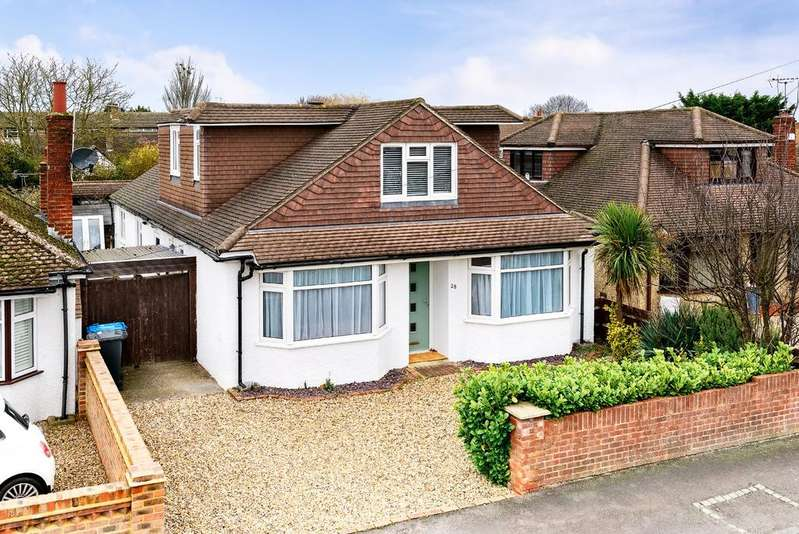4 Bedrooms Detached House for sale in Stunning Recently Refurbished Four Bedroom Detached House