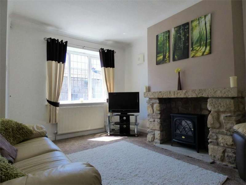 2 Bedrooms Terraced House for sale in Pleckgate Road, BLACKBURN, Lancashire