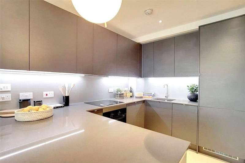 3 Bedrooms Flat for sale in The Taper Building, Long Lane, London, SE1