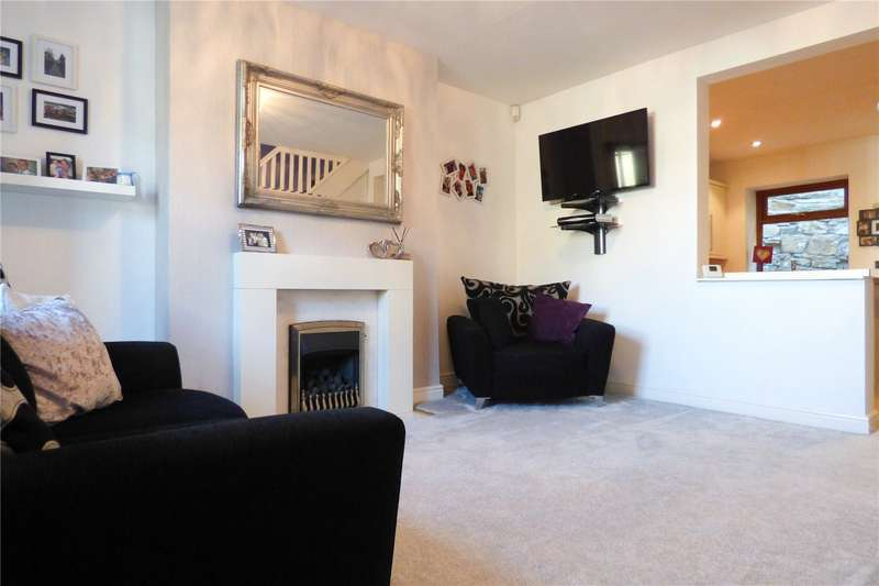 2 Bedrooms End Of Terrace House for sale in Carrhill Road, Mossley, Ashton-under-Lyne, Greater Manchester, OL5