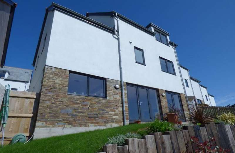 4 Bedrooms Property for sale in Bethan View, Perranporth