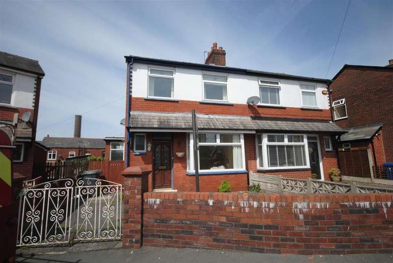2 Bedrooms Semi Detached House for sale in Silverdale, Swinley, Wigan