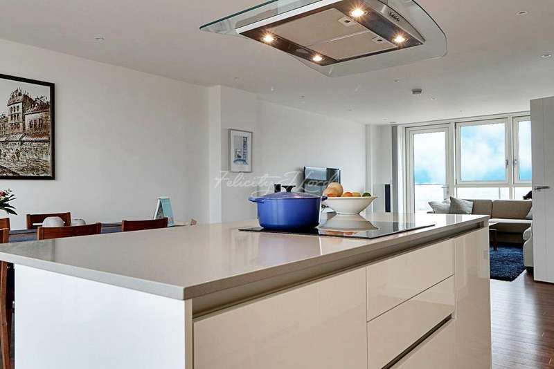 3 Bedrooms Flat for sale in Cable Walk, Greenwich, London, SE10