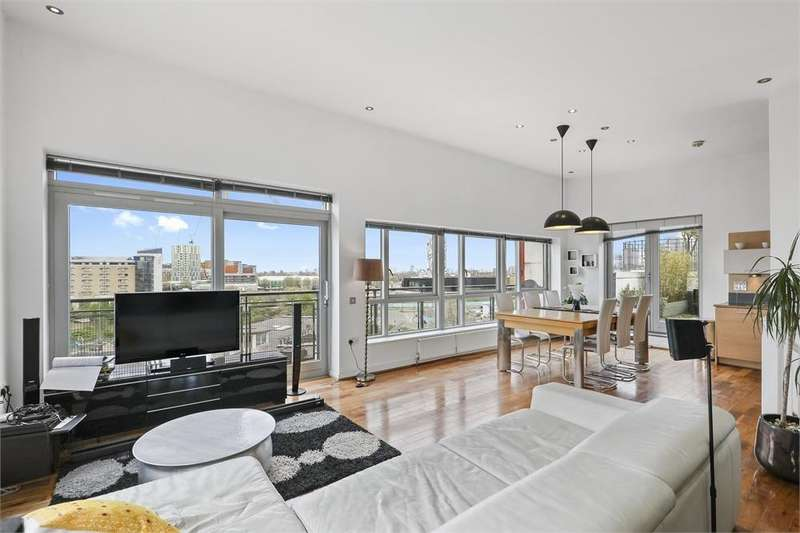 2 Bedrooms Flat for sale in Holly Court, Greenroof Way, LONDON