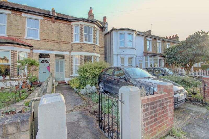 3 Bedrooms Property for sale in Lampmead Road, London
