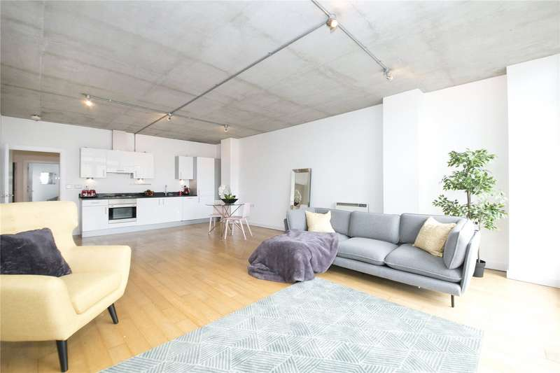 2 Bedrooms Flat for sale in Andrews Road, Hackney, E8
