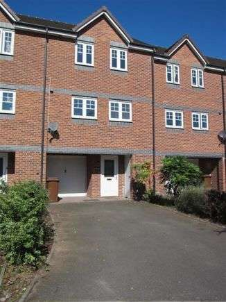3 Bedrooms Town House for rent in Clyde Street, Hilton, Derby