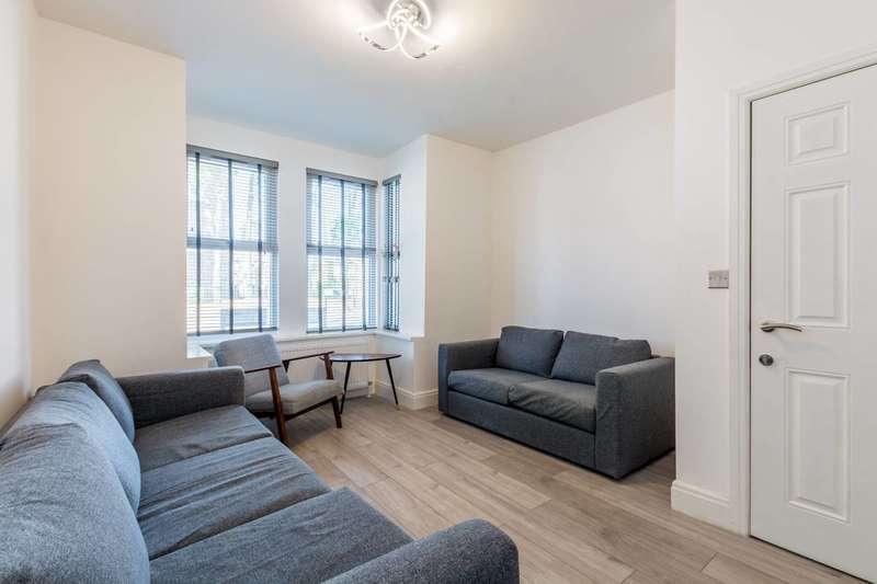 6 Bedrooms House for sale in Rabbits Road, Manor Park, E12