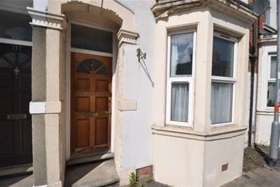 3 Bedrooms Semi Detached House for rent in Lutterworth Road, Northampton, NN1